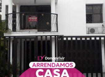Casa comercial en Barrio San Carlos